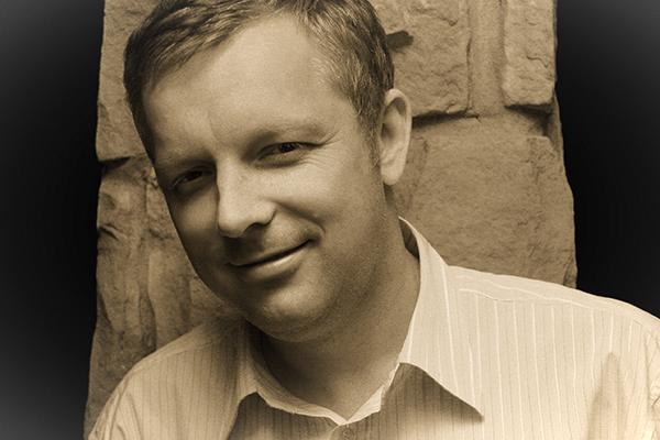 Tomasz Staniszewski kolekcjoner, autor serwisu internetowego Stare Papiery